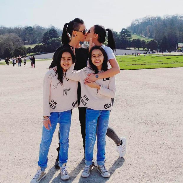 Echte lesbische Zwillingsschwestern