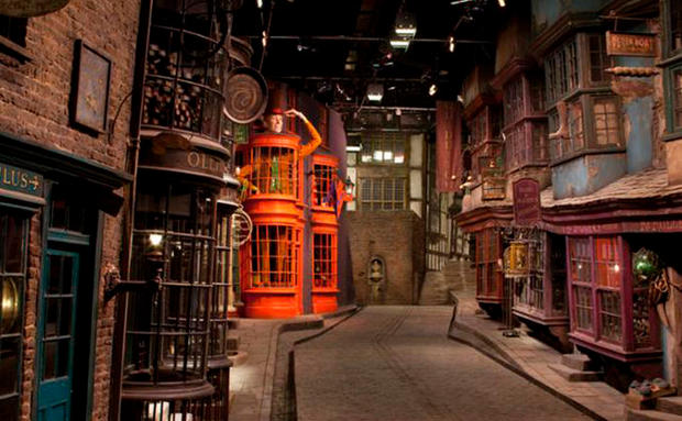 クライストチャーチ Pinterest: Vater Baut Seinen Töchtern Das Set Aus Harry Potter! • WOMAN.AT