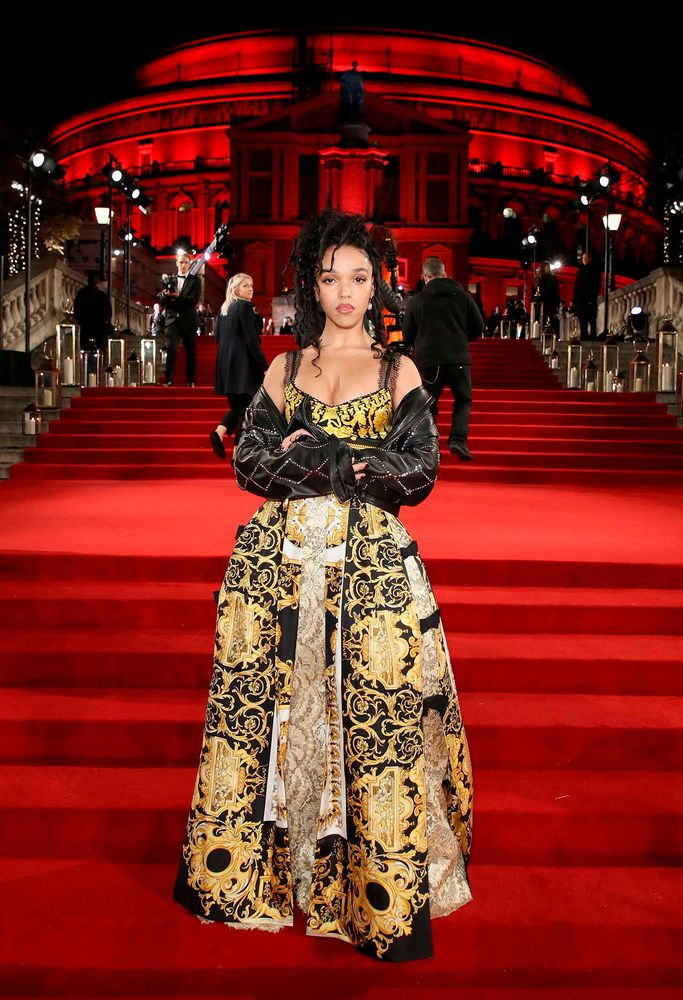 fkatwigs-fashionstyle:FKA twigs at the AVANTgarden issue