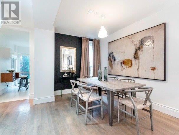 meghan zieht zu harry und du kannst ihr haus kaufen woman at. Black Bedroom Furniture Sets. Home Design Ideas