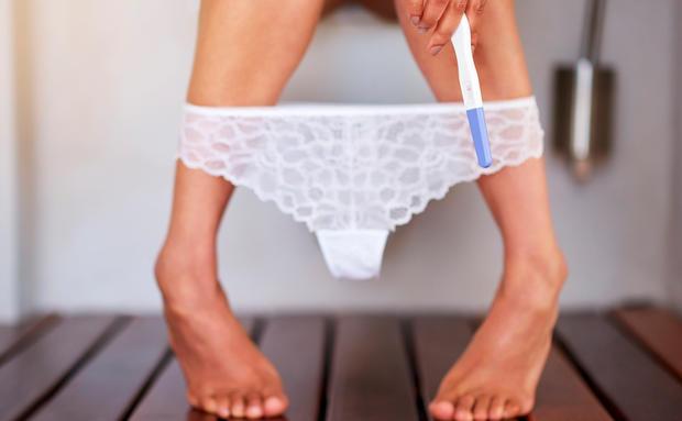 Schwangerschaftstest: Ab wann kann man ihn machen? • WOMAN.AT on